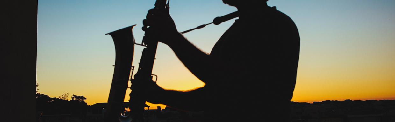 Szaxofonnal a világ körül